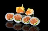 Roll with homemade Kyokai marinated salmon, tamago, chives (6 pcs)