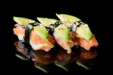 Nigiri with salmon, eel, avocado topped with sweet sauce and sesame seeds (3 pcs)