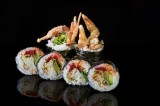 Spider Roll – roll with deep fried soft shell crab with avocado, flying fish roe, mayonnaise, kimchi sauce (6 pcs)