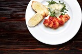 6. Tiger prawns (6 pcs.) served with garlic bread, prepared as you wish