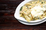 13. Penne with cream sauce with gorgonzola, chicken, spinach and garlic, 'au gratin' with mozzarella cheese