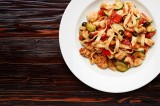 6. TAGLIATELLE CON POLLO E ZUCCHINE – tagliatelle pasta with tomato sauce with chicken, zucchini, black olives and peppers