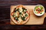 3. POLLO E SPINACI – chicken, spinach, white mozzarella cheese, garlic