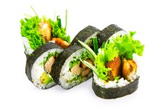 FRIED SALMON / TUNA ROLL